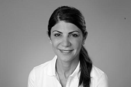 Dr. Neda Timmermann